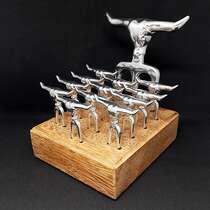 Kit Churrasco Tridente + 12 Garfinhos + base de madeira - 14 peças