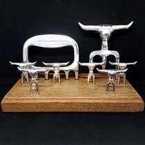Kit Churrasco Tridente + 6 Garfinhos + Garra + Base de madeira - 9 peças