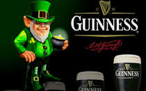 Placa Decorativa de Metal 30x40cm - Guinness Leprechauns