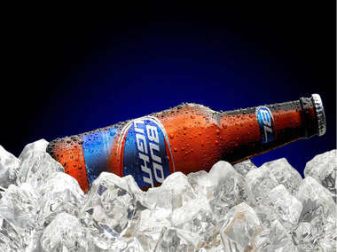 Placa Decorativa de Metal 30x40cm - Bud Light Bottle